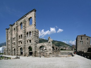 Валле-д-Аоста. Teatro Romano di Aosta